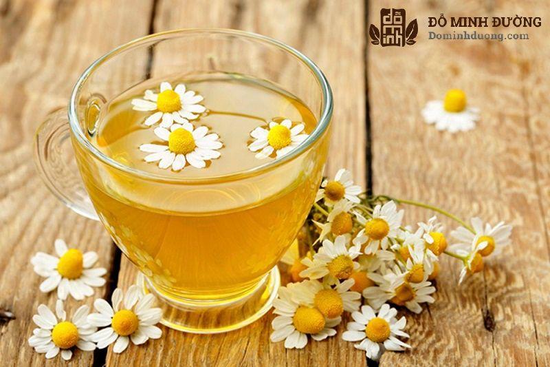 chữa mề đay bằng mẹo uống trà thảo dược