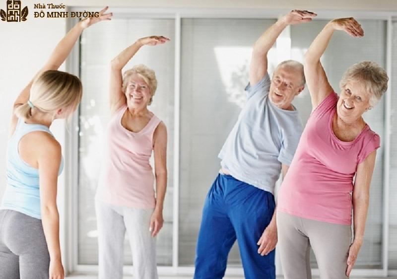 Vận động nhẹ nhàng giúp hỗ trợ điều trị viêm đau khớp gối