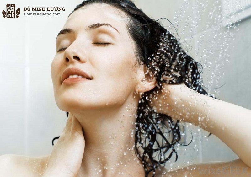 Người bệnh cần tắm đúng cách nhằm giúp da cải thiện tốt hơn