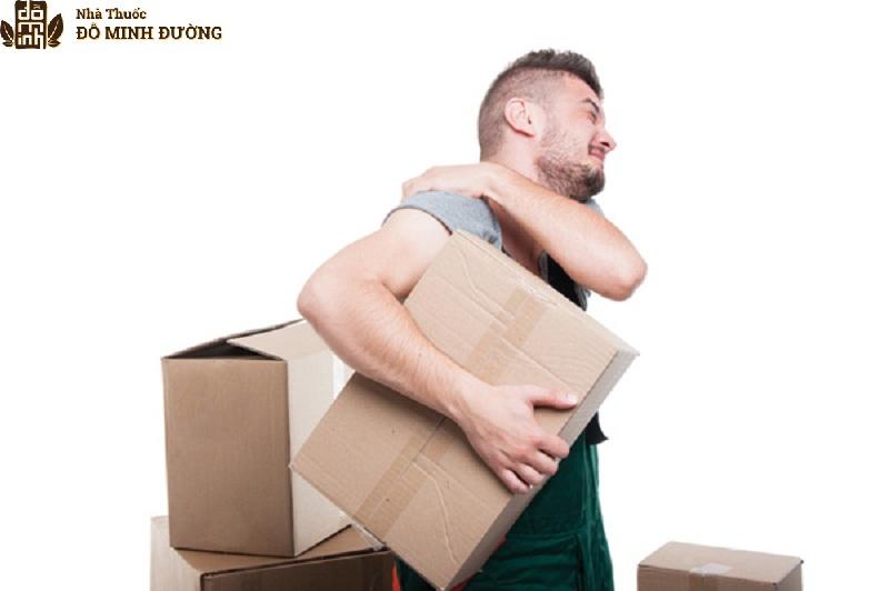 Chấn thương khi lao động là nguyên nhân gây đau nhức vai