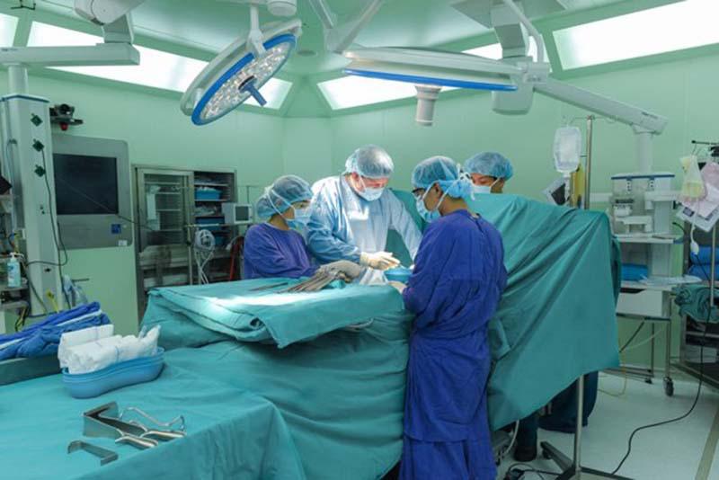 phẫu thuật khớp vai