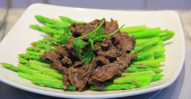 Nam giới chỉ nên ăn măng tây 2 - 3 lần/tuần để tránh bị thừa chất