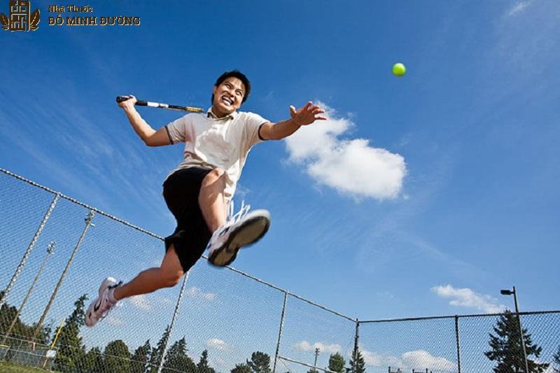 Người chơi thể thao với cường độ mạnh dễ bị viêm khớp cổ chân
