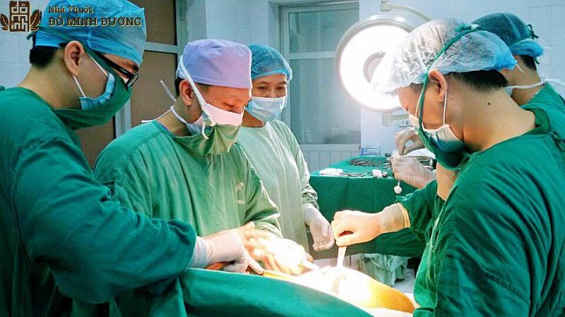 Phẫu thuật điều trị thoái hóa đốt sống lưng