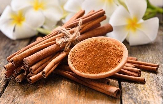 Dùng mật ong và bột quế chữa thoái hóa đốt sống cổ