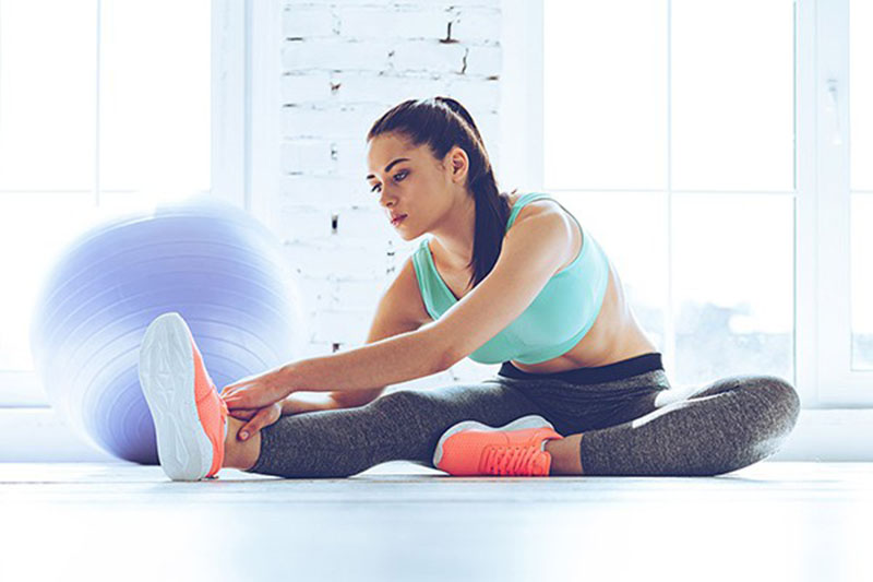 Không giãn cơ cũng là một nguyên nhân phổ biến gây tổn thương khớp xương