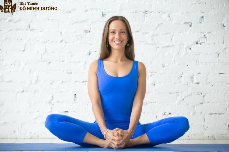Bài tập yoga tư thế móc câu hẹp hỗ trợ bệnh thoái hóa khớp đầu gối