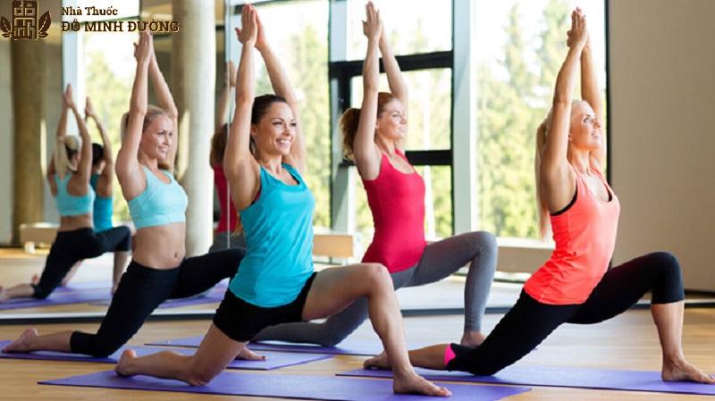 Yoga là bộ môn tốt cho người bệnh thoái hóa khớp gối