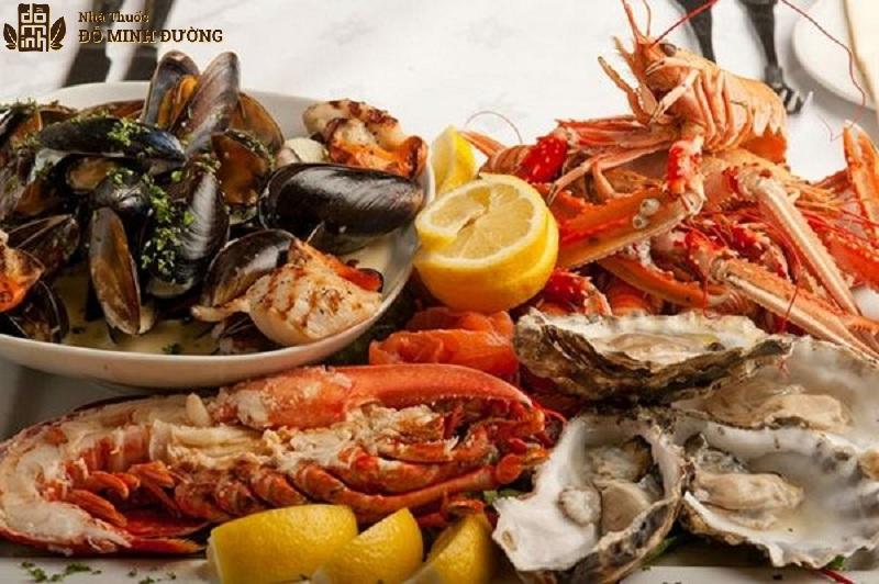 Hải sản chứa nhiều canxi rất tốt cho sức khỏe người bệnh xương khớp