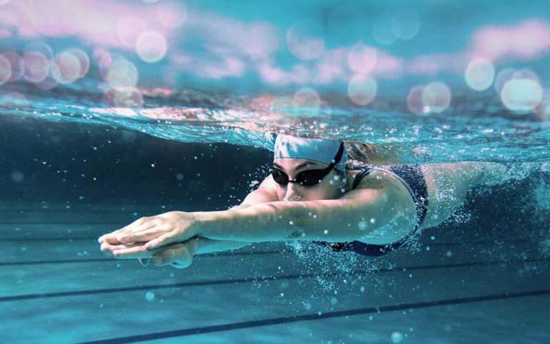 Người bị viêm xoang không nên lặn sâu và lâu dưới nước