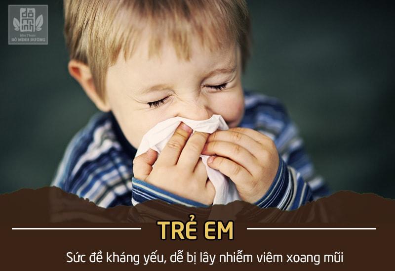 Bệnh viêm xoang mũi có bị lây không với trẻ nhỏ