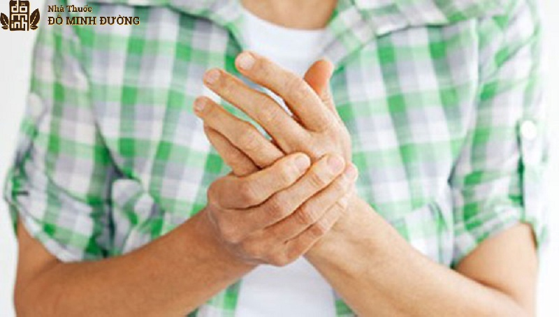 Viêm đa khớp giai đoạn đầu thường không có triệu chứng rõ rệt