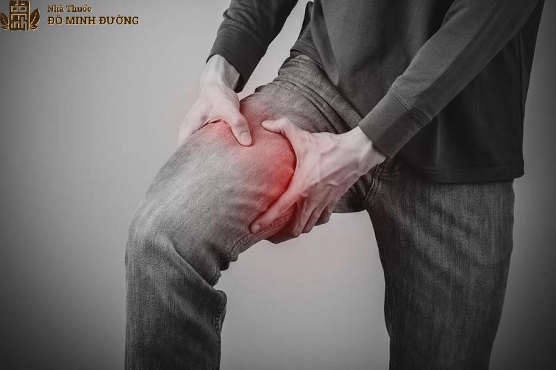 Viêm khớp háng do bị chấn thương khi hoạt động
