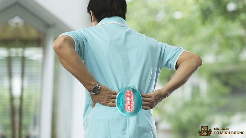 Đau lưng là biểu hiện bệnh thoát vị đĩa đệm cột sống thắt lưng