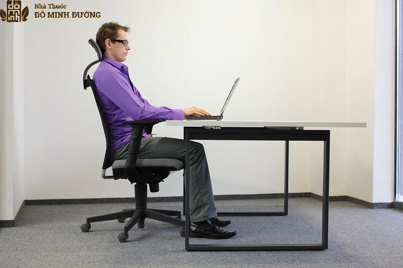 Học và làm việc ngồi đúng tư thế