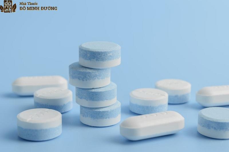 Sử dụng kháng sinh điều trị bệnh cho hiệu quả nhanh nhưng người bệnh cần cẩn trọng với các tác dụng phụ của thuốc