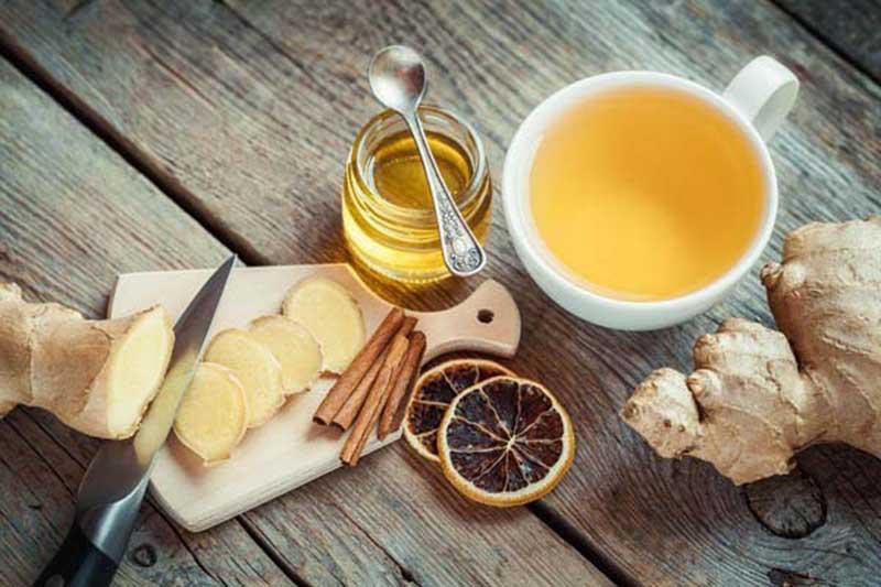 Bài thuốc trị gai khớp gối bằng mật ong và gừng