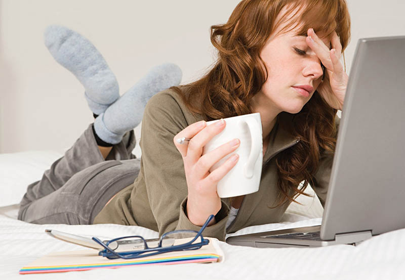Căng thẳng, vận động sai tư thế... đều có làm vùng lưng bị đau nhức