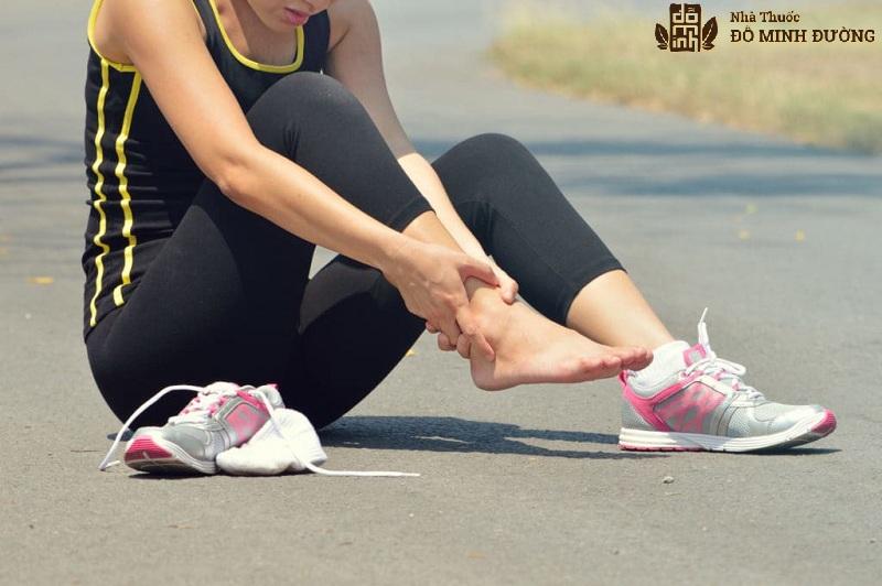 Chấn thương là một trong những nguyên nhân gây khô khớp