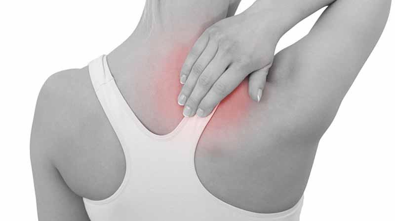 Có rất nhiều nguyên nhân gây đau lưng trên
