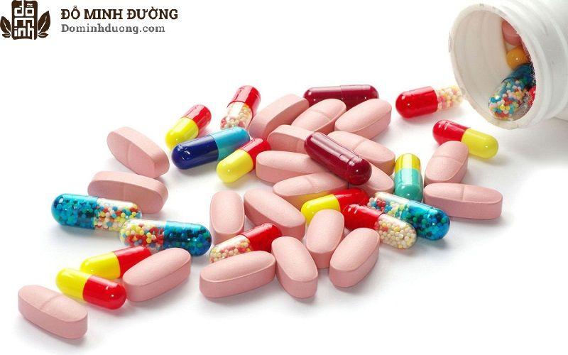 Điều trị bằng thuốc Tây y giúp giảm đau, hạ sốt, phòng ngừa viêm nhiễm và lợi tiểu