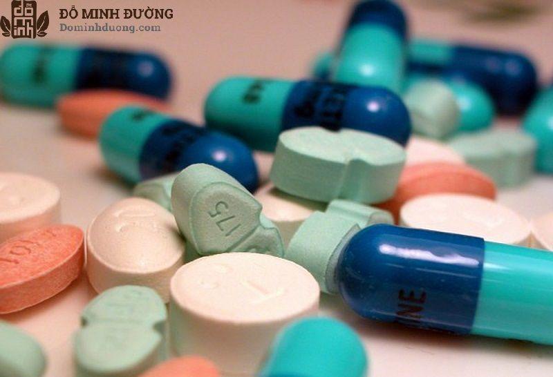 Người bệnh có thể được chỉ định thuốc Tây y để điều trị u xơ tiền liệt tuyến