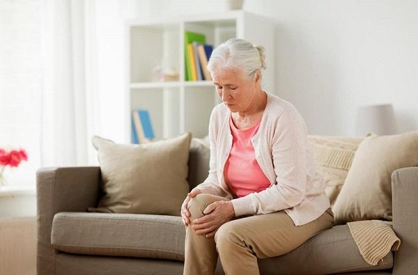 Thoái hóa khớp gối là căn bệnh xương khớp phổ biến ở người già