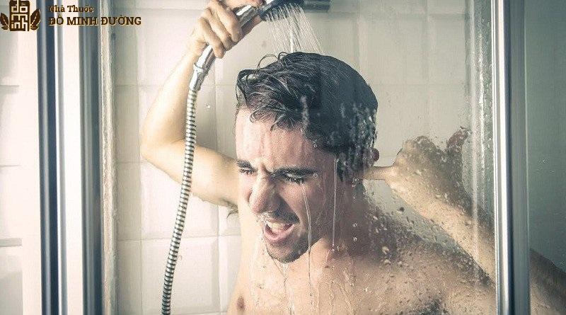 Quý ông nên làm sạch cơ thể trước khi quan hệ để mang lại sự hấp dẫn