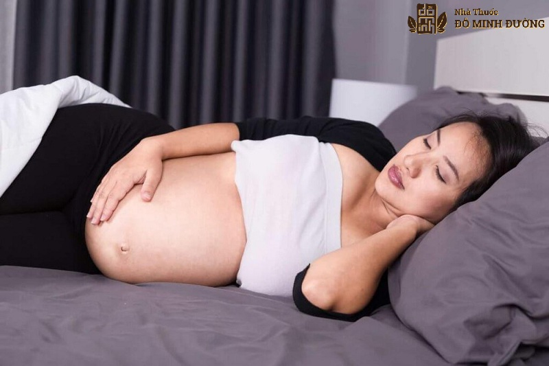 Bà bầu cần nghỉ nghơi nhiều để giảm đau khớp háng