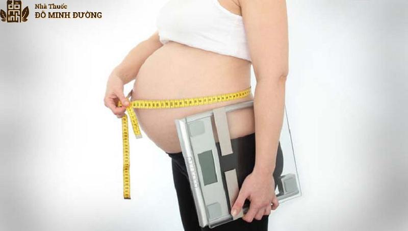 Bà bầu bị đau khớp háng do tăng cân đột ngột ở thời kỳ mang thai tháng cuối
