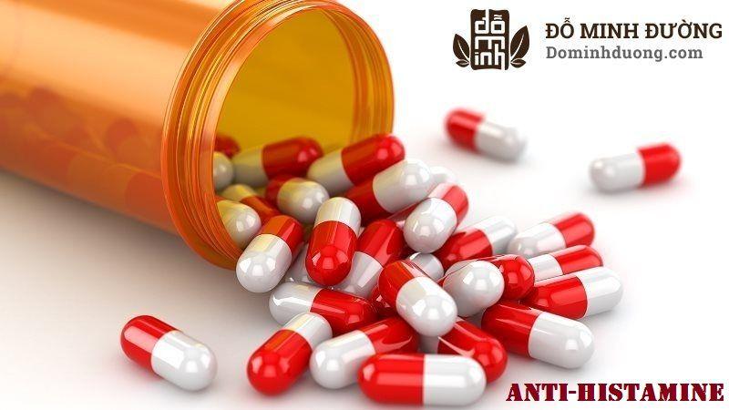 Thuốc tay có thể gây ra tác dụng phụ nên người bệnh cần tuyệt đối nghe theo hướng dẫn của bác sĩ