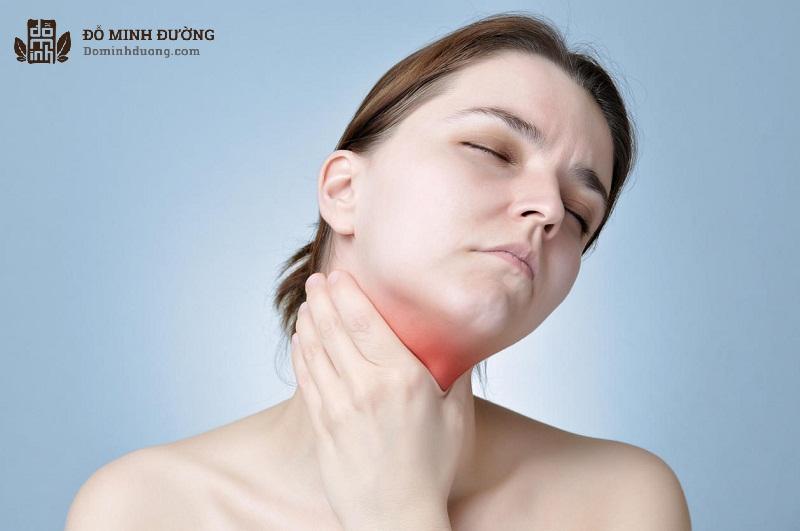 Thuốc có thể khiến người bệnh bị khô miệng và khản cổ
