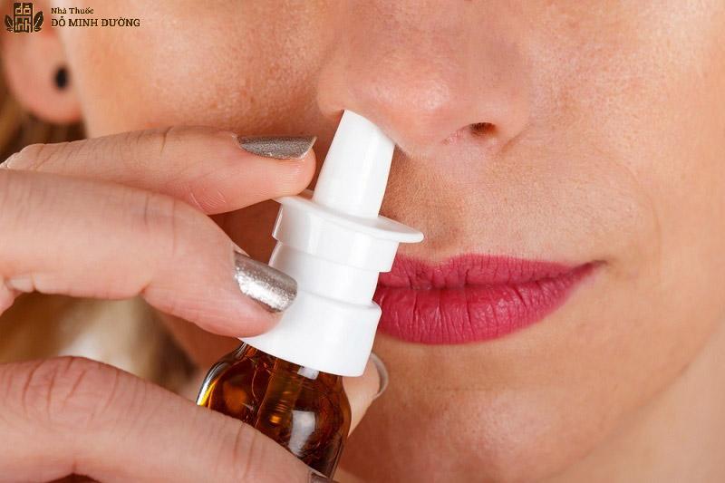 Dùng thuốc corticosteroid dạng xịt