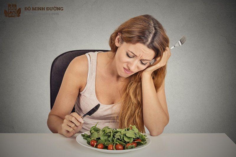 Lưỡi gà bị tổn thương khiến người bệnh gặp khó khăn lớn trong ăn uống