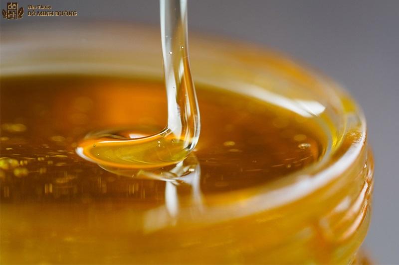 Mật ong chữa viêm họng tại nhà