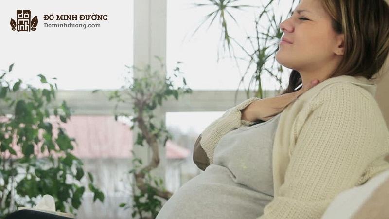 Viêm họng khi mang thai 3 tháng đầu khiến mẹ bầu bị suy giảm sức khỏe