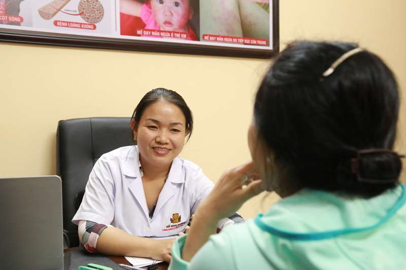 Với hơn 10 năm kinh nghiệm trong nghề, thầy thuốc Đoan Trinh sẽ tận tâm, tận tình khám chữa bệnh cho chị em