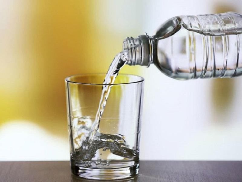 Nước giúp thanh lọc, đẩy nhanh quá trình đảo thải cồn ra khỏi cơ thể