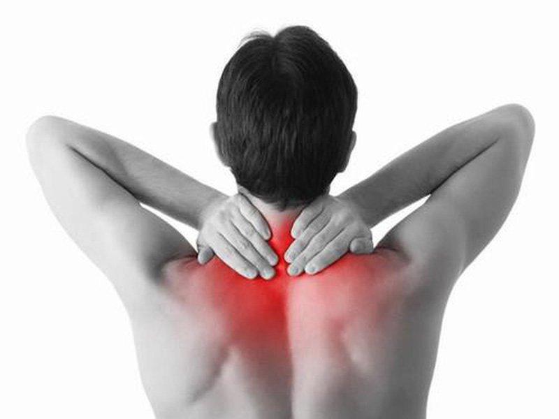 Người bệnh bị đau theo từng đợt tại vùng cổ gáy