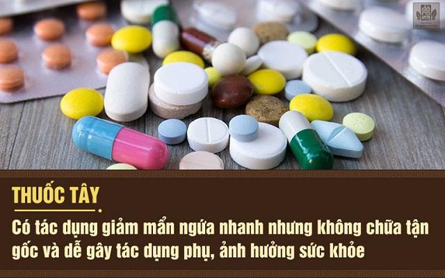 Thuốc Tây y hiệu quả nhanh nhưng có thể gây tác dụng phụ.