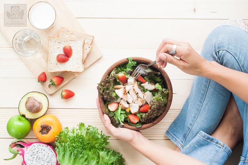 Chế độ dinh dưỡng ảnh hưởng lớn đến sức khỏe phụ nữ tiền mãn kinh