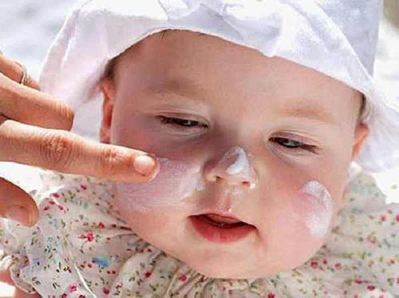Sử dụng thuốc cho trẻ cần tuân theo chỉ định của bác sĩ chuyên khoa