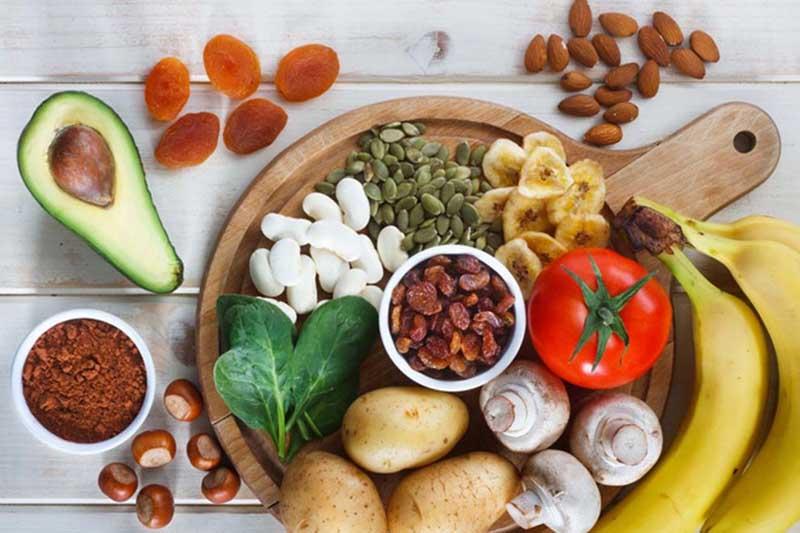 Chế độ dinh dưỡng của người bệnh cần được kiếm soát chặt chẽ và có hướng dẫn của bác sĩ.