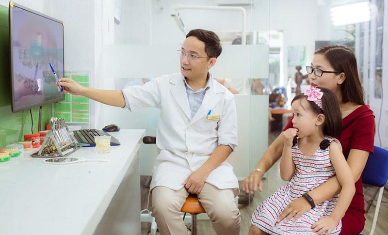 Liên hệ ngay với chuyên gia khi cách chữa viêm xoang bằng lá lốt không cho hiệu quả, xảy ra bất thường