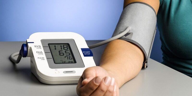 Người bệnh suy thận ăn tỏi phòng ngừa huyết áp tăng nhanh