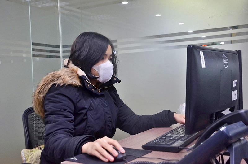 Viêm mũi họng cấp dễ gặp phải ở dân văn phòng thường xuyên ngồi điều hòa, máy lạnh