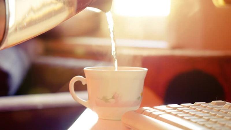 Uống nhiều nước để phòng tránh viêm mũi họng cấp