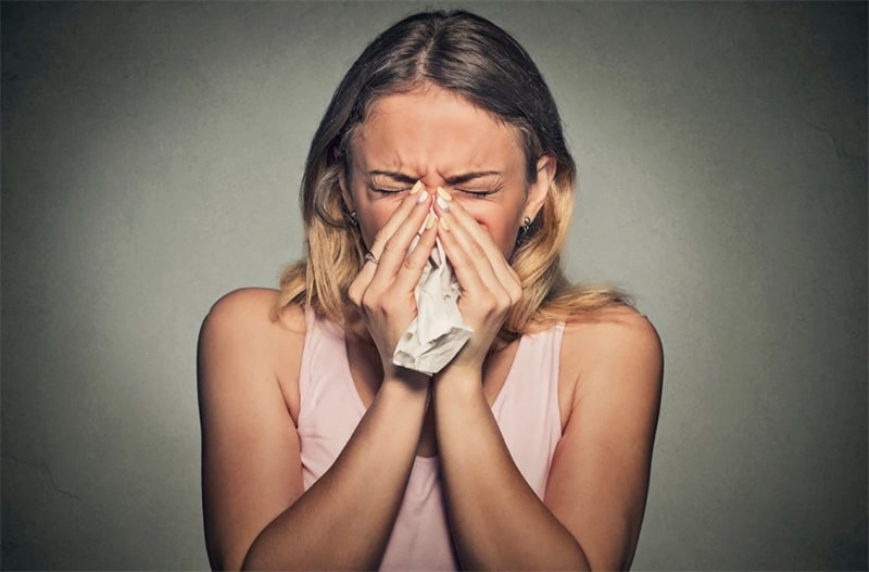 Xuất tiết ở mũi khi bị viêm là tình trạng phổ biến mà nhiều người gặp phải