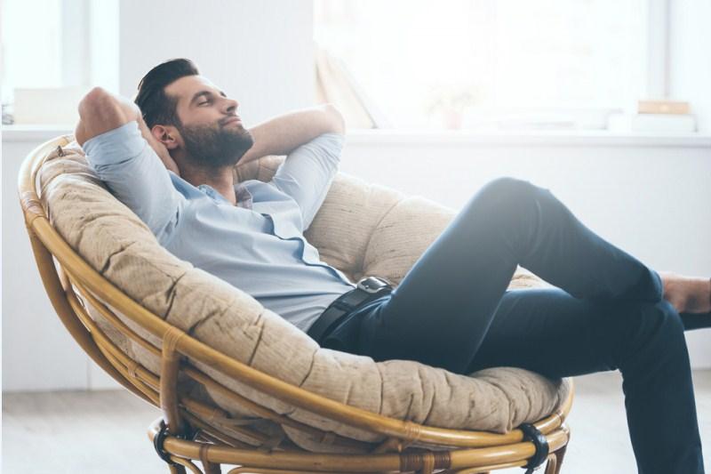 Nên tạo dựng một chế độ ngủ nghỉ hợp lý để xả áp lực, mệt mỏi