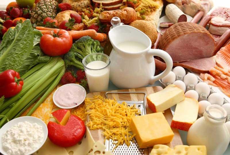 Nên duy trì chế độ ăn uống đầy đủ dinh dưỡng và thường xuyên bổ sung các loại thực phẩm giúp ngăn ngừa viêm âm đạo